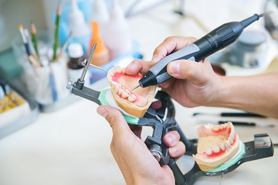 治療と物作りの職人による相乗効果 | 入れ歯ならプライベート歯科横濱 ...